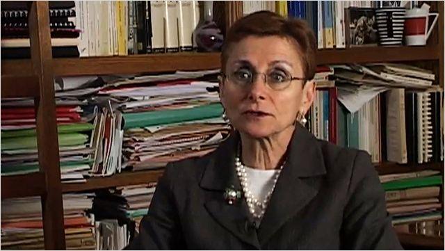 Ministre de la Culture : Annie Lacroix-Riz Profession-journaliste-annie-lacroix-riz