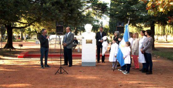 ciudadano-statue