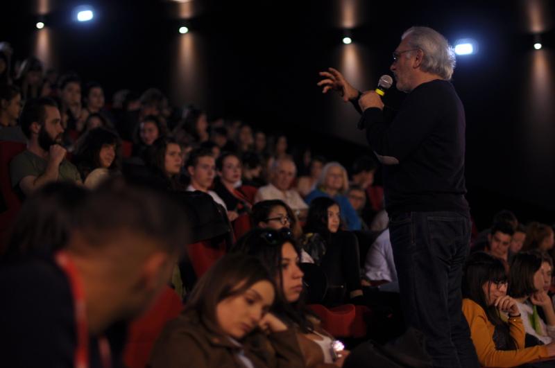 Serge Avédikian rencontre le public à Itinérances - Alès 2017 © Alix Fort