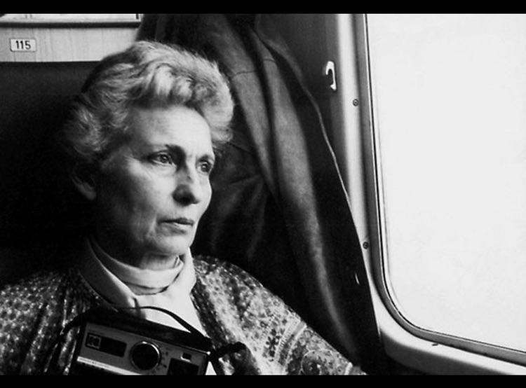 Les deux vies d'Eva, d'Esther Hoffenberg © Procirep 2005