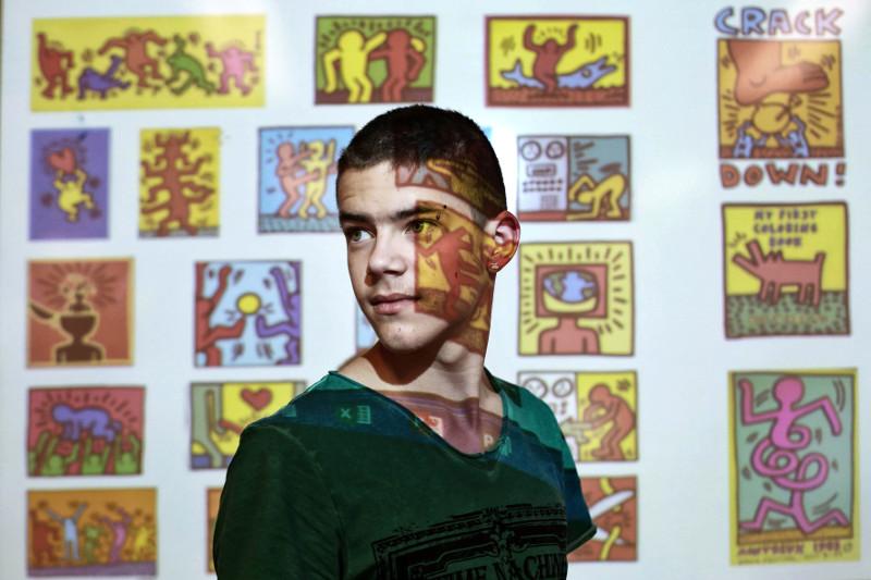 JAMES EN COURS D'ARTS PLASTIQUES AU LYCÉE PROFESSIONNEL DU BÂTIMENT ALFRED SAUVY, PYRÉNÉES ORIENTALES, FRANCE. SEPTEMBRE 2014 -©Patrice Terraz/Signatures