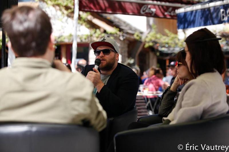 Eric K Boulianne (et à droite Sophie Goyette) à la table ronde sur le Nouveau cinéma québécois pendant le festival 48 images seconde de Florac © Éric Vautrey 2017